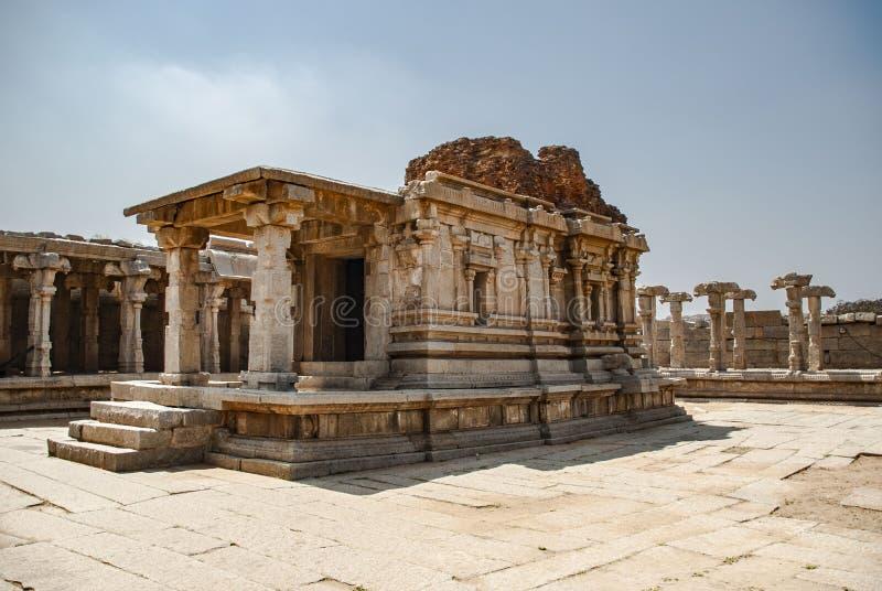 Ruinas del complejo del templo de Vittala, Hampi, Karnataka, la India imagen de archivo
