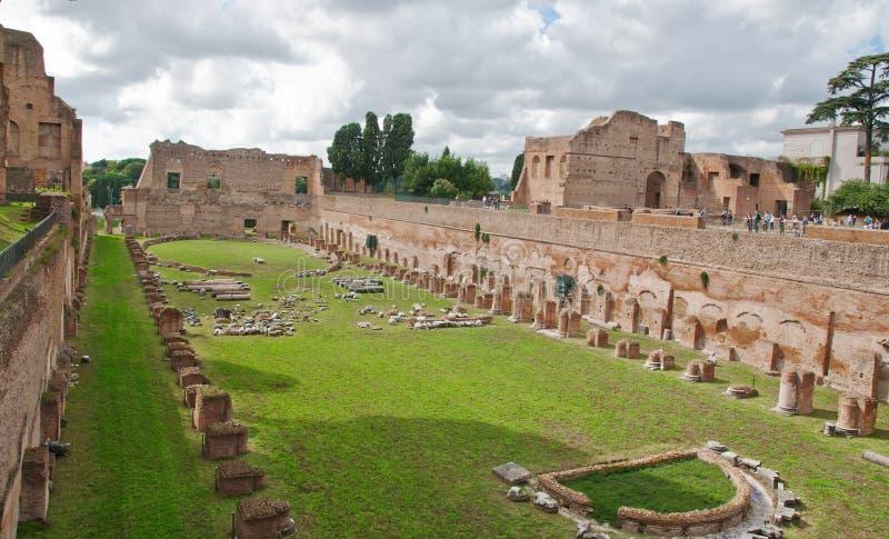 Ruinas del estadio Domitanus en la colina de Palatine adentro fotos de archivo libres de regalías