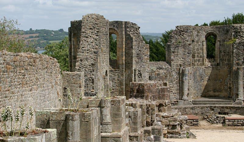 Ruinas del monasterio de Landévennec fotos de archivo