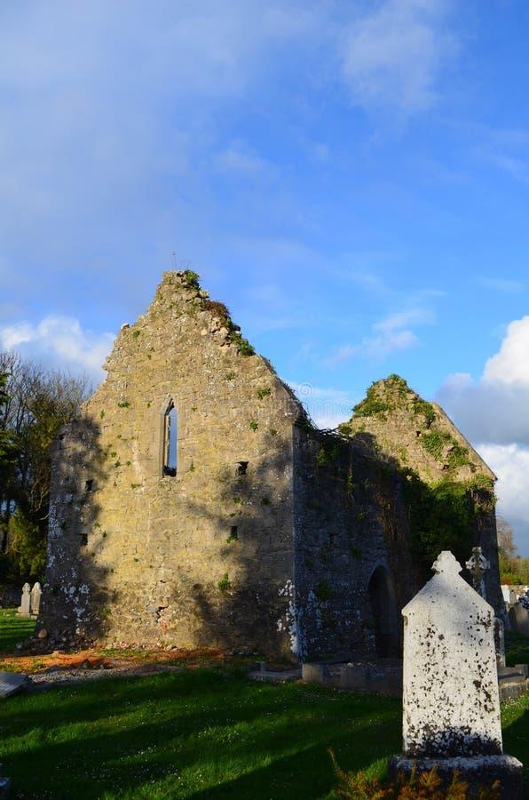 Ruinas del monasterio en Adare Irlanda imágenes de archivo libres de regalías