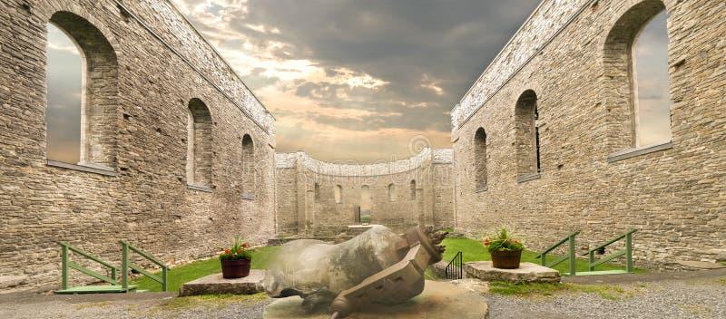 Ruinas del St Raphaels imagenes de archivo