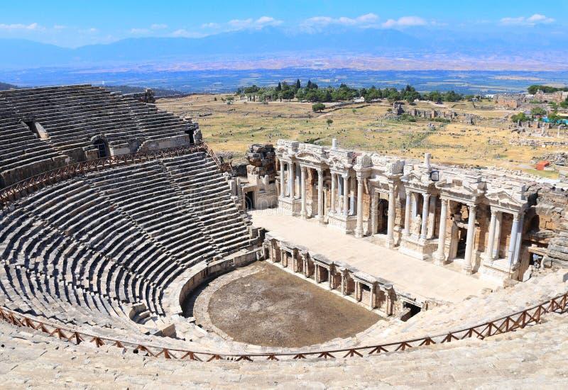 Ruinas del teatro en Hierapolis antiguo, Pamukkale, Anatolia, Turquía imagenes de archivo