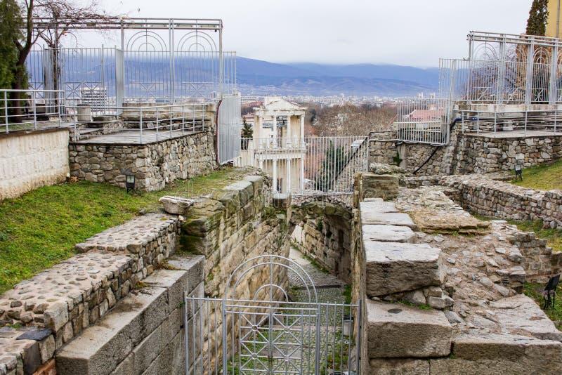 Ruinas del teatro romano de Plovdiv fotos de archivo libres de regalías