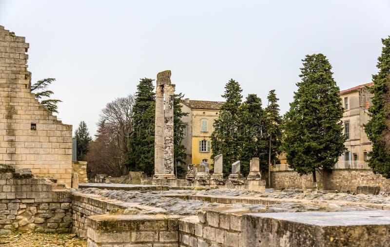 Ruinas del teatro romano en Arles - sitio de la UNESCO en Francia imagen de archivo