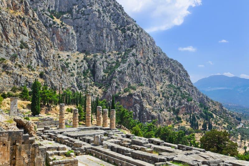 Ruinas Del Templo De Apolo En Delphi, Grecia Imagenes de archivo