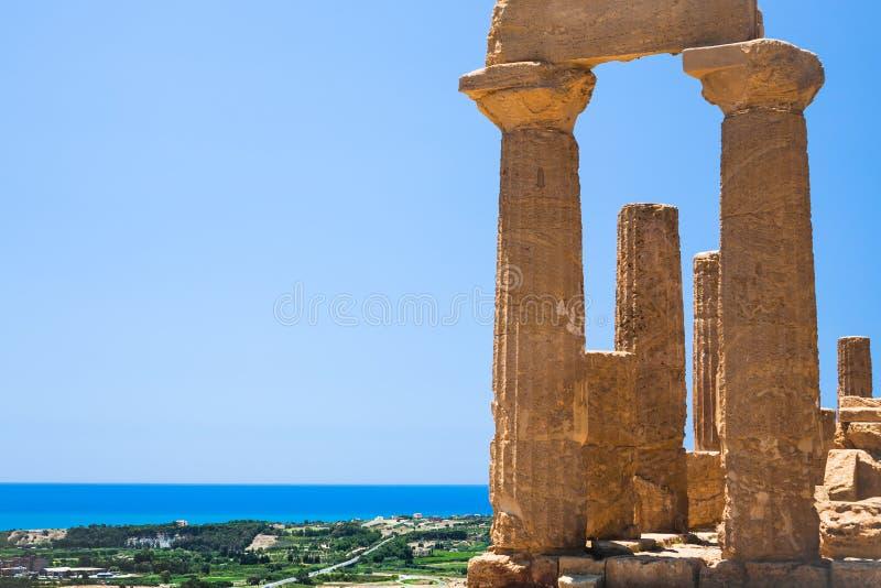 Ruinas del templo de Juno Hera en Agrigento imagenes de archivo