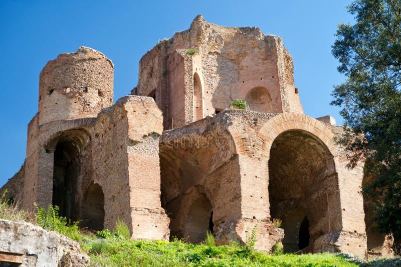 Ruinas en la colina de Palatine en Roma fotografía de archivo libre de regalías
