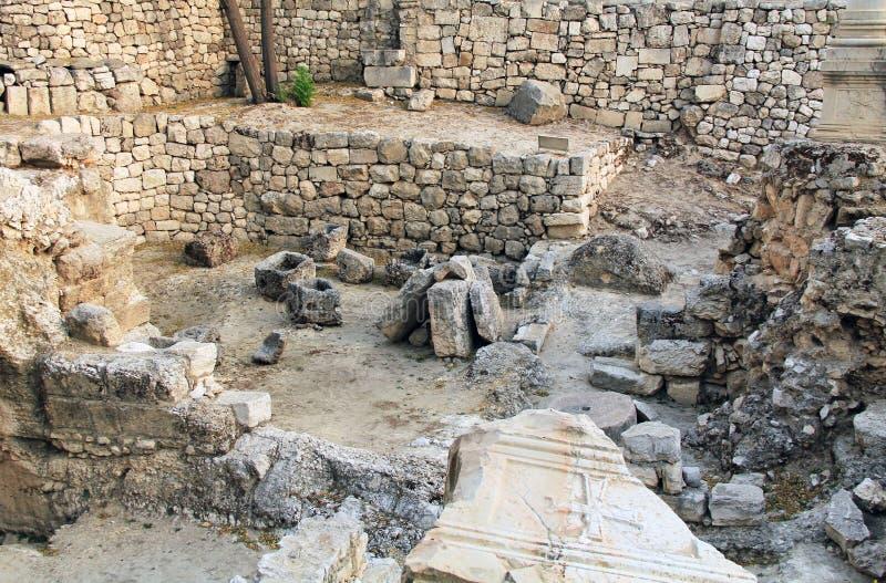 Ruinas excavadas de la piscina de Bethesda y de la iglesia imagen de archivo