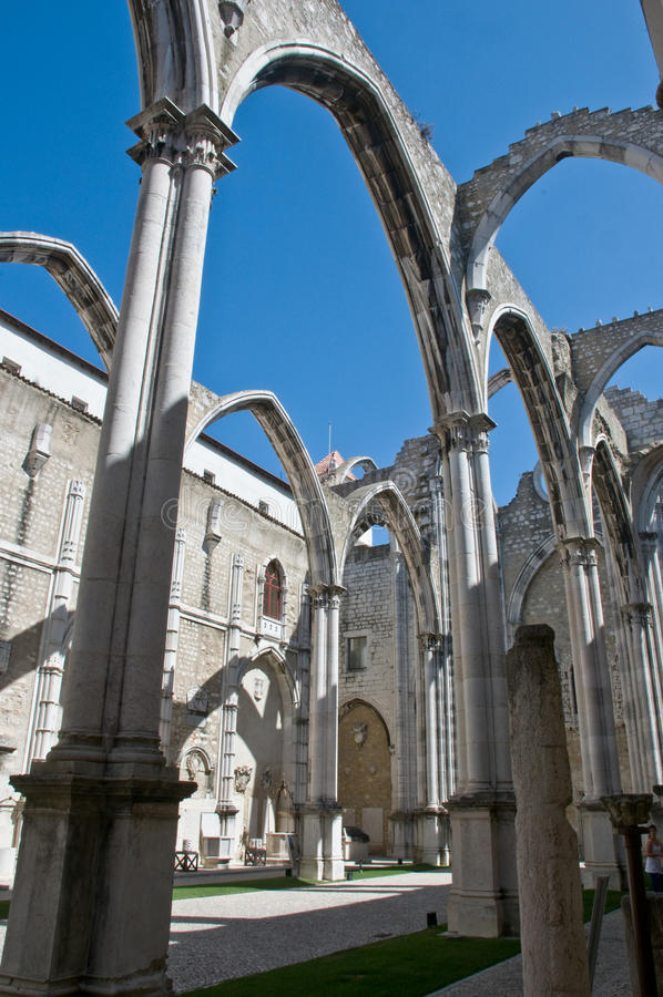 Ruinas góticas (Igreja hace a Carmen) foto de archivo libre de regalías