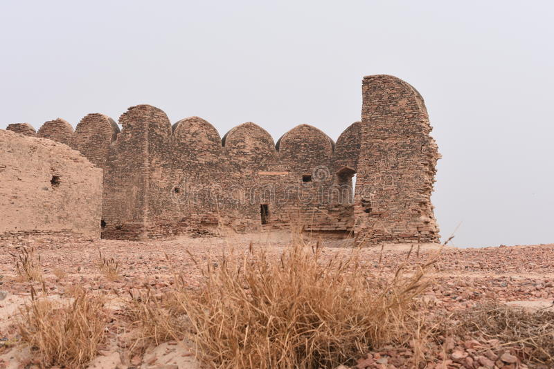 Ruinas históricas del fuerte de Bhatner en Hanumangarh en Rajasthán, 1700 años del fuerte imágenes de archivo libres de regalías