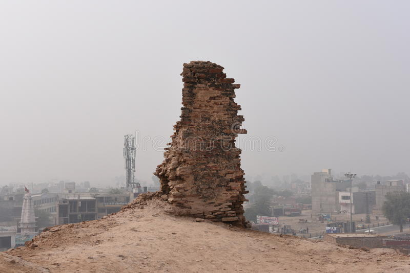 Ruinas históricas del fuerte de Bhatner en Hanumangarh en Rajasthán, 1700 años del fuerte fotografía de archivo