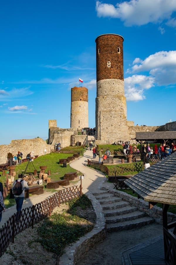 Ruinas históricas viejas del castillo real Una ciudadela de Edades Medias en Europa Central fotos de archivo