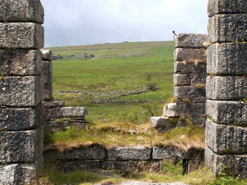 Ruinas industriales en los molinos cerca de Postbridge, Devon del polvo fotos de archivo