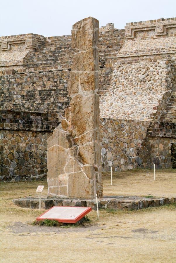 Ruinas mayas de la ciudad en Monte Alban cerca de la ciudad de Oaxaca foto de archivo