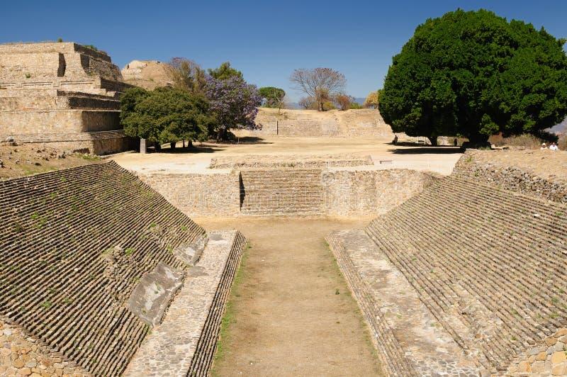 Ruinas mayas de Monte Alban en México foto de archivo libre de regalías