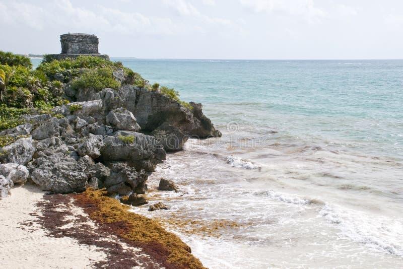 Download Ruinas Mayas Que Pasan Por Alto El Océano Imagen de archivo - Imagen de seaweed, azul: 44857637