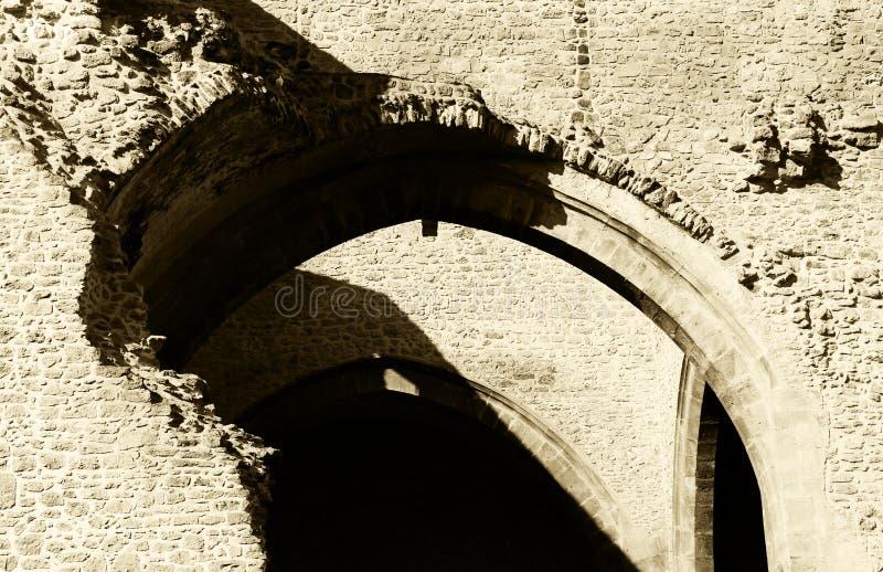 Ruinas, paredes de piedra, Edades Medias, tonalidad de la sepia fotos de archivo