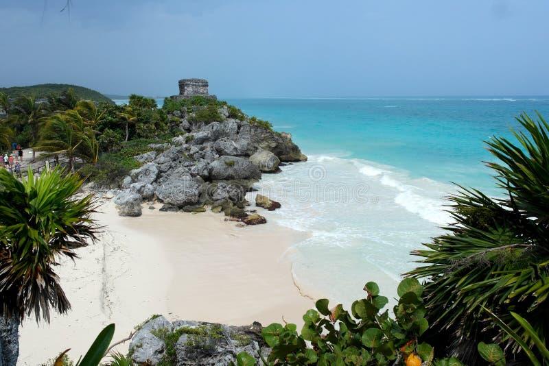 Ruinas por el mar foto de archivo libre de regalías