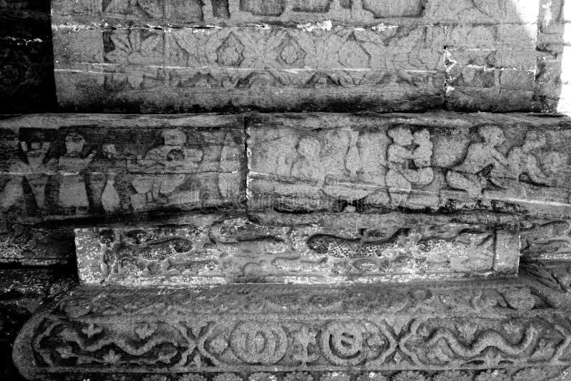 Ruinas viejas de Almora con las tallas de Kama Sutra imagen de archivo