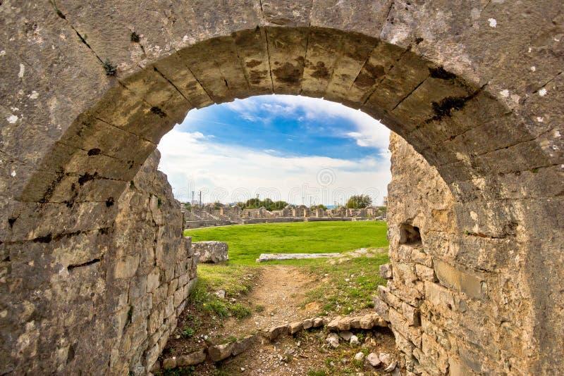 Ruinas viejas de la arena antigua de Solin imagen de archivo