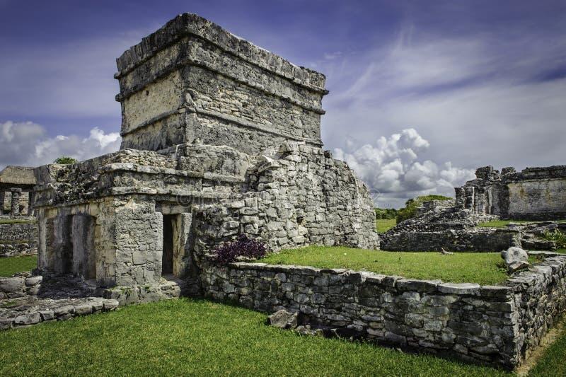 Ruinas viejas del mexicano en Tulum foto de archivo libre de regalías