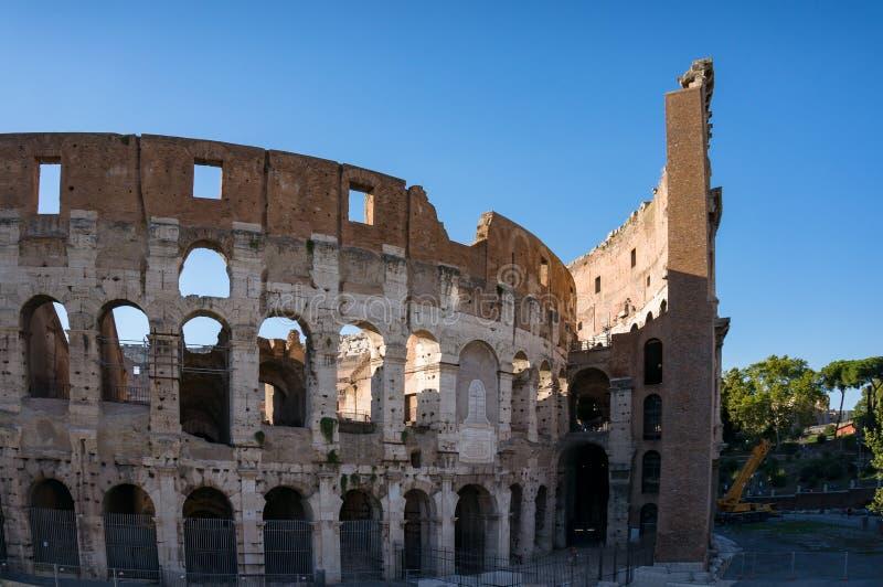 Ruinas viejas del teatro de Colosseum Señal famosa italiana del gladiador Coliseum imagen de archivo libre de regalías