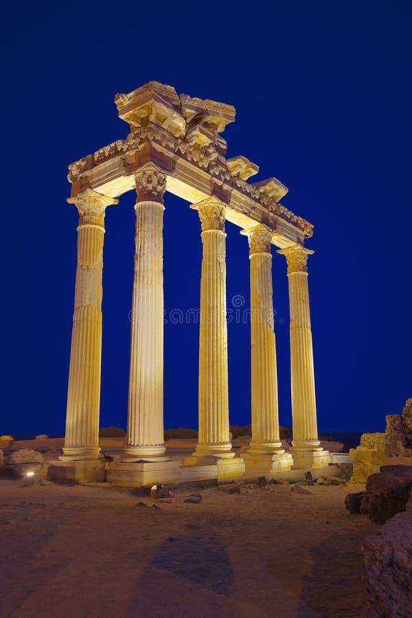 Ruinas viejas en la cara, Turquía en la puesta del sol fotos de archivo