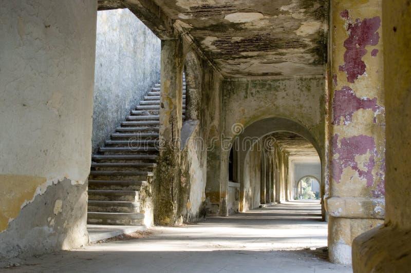 Ruine antico di costruzione sui rhodos immagine stock libera da diritti