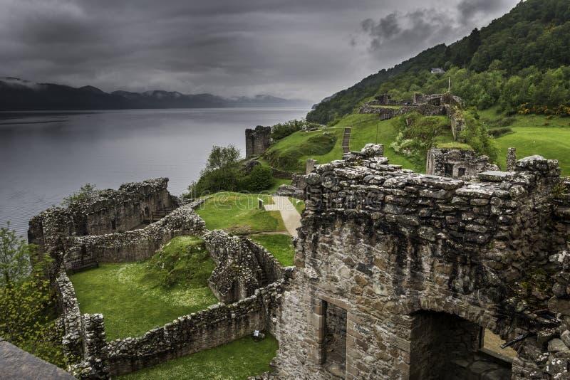 Ruine de château d'Urquhart - Ecosse photos libres de droits