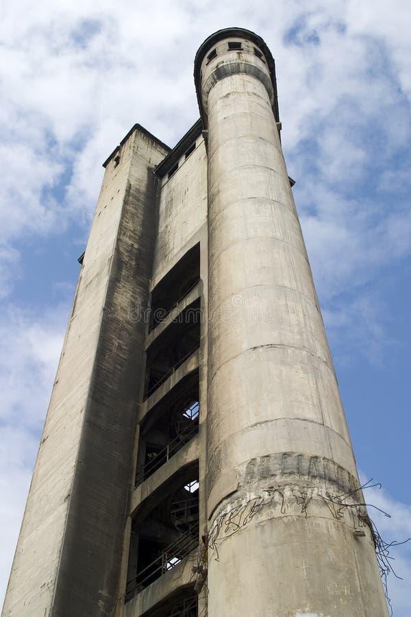 Ruine de la construction industrielle photos stock