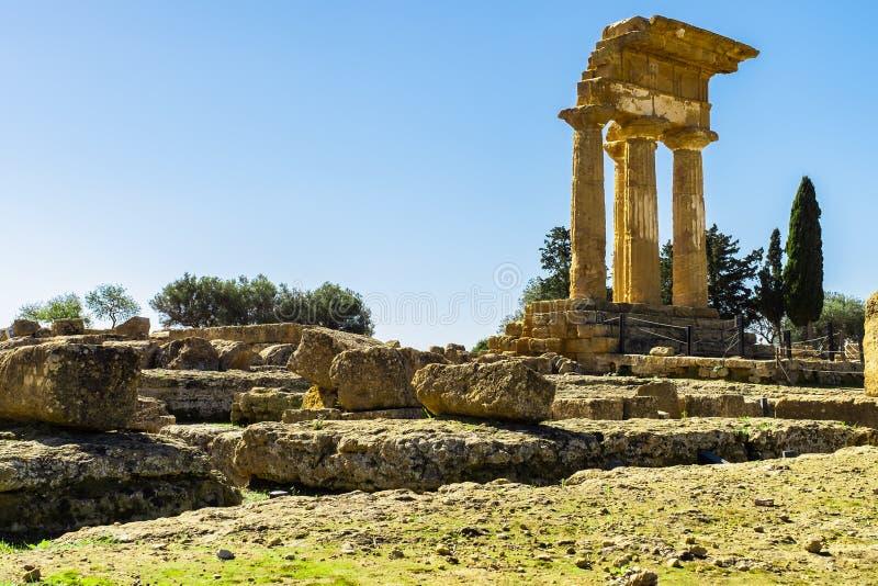 Ruine de temple du grec ancien Agrigente, île de la Sicile photographie stock libre de droits