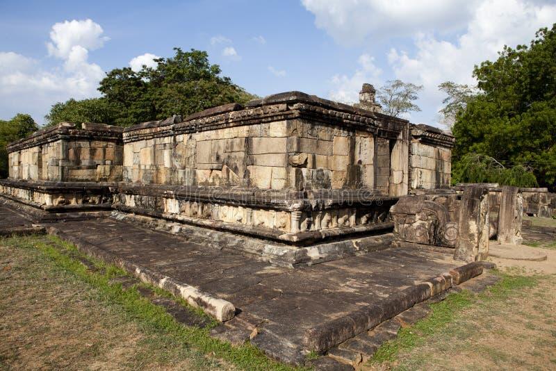 Ruine eines alten Tempels in Polonnaruwa in Sri Lanka stockbild