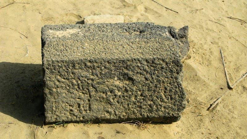 Ruine von alten historischen archäologischen Aushöhlungen bei Adulis, Eritrea lizenzfreies stockfoto