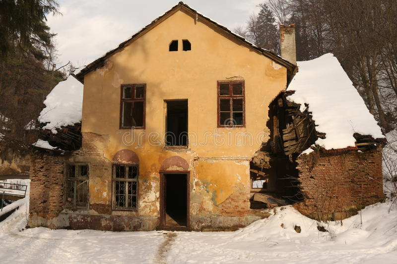 Superb An Abandoned And Ruined Vintage Period House Is Falling Apart In The Woods  In Transylvania, Romania.