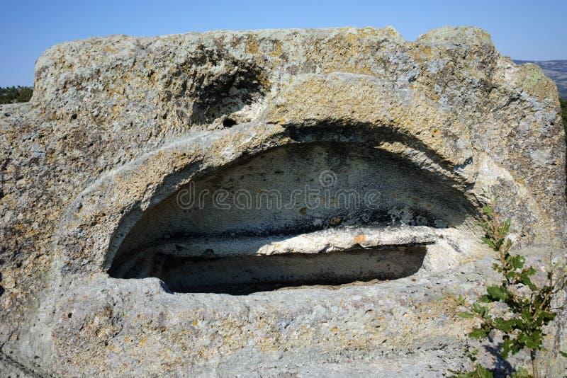 Ruinen antiken Thracian-Schongebiets Tatul, Bulgarien lizenzfreie stockbilder