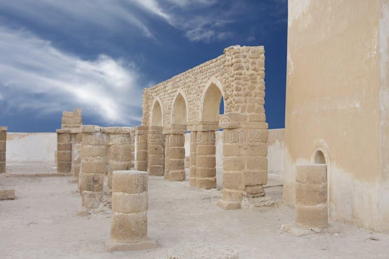 Ruinen der Al Khamis Moschee, Bahrain lizenzfreie stockbilder