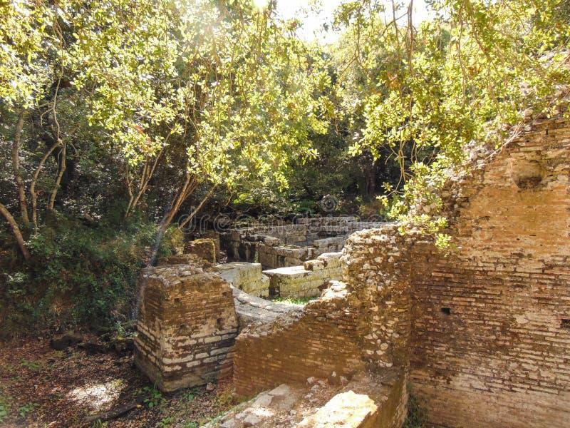 Ruinen der alten Stadt Butrint lizenzfreies stockbild