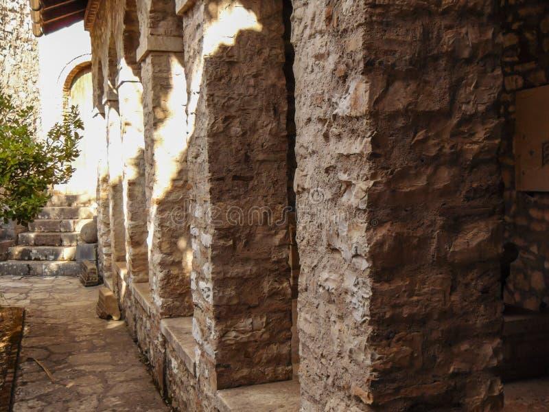 Ruinen der alten Stadt Butrint stockfotos