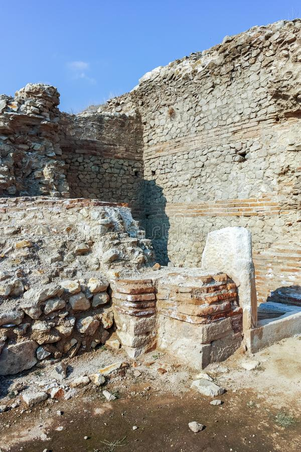 Ruinen der alten Stadt Heraclea Sintica - von Philip II von Macedon, Bulgarien errichtet lizenzfreie stockfotos