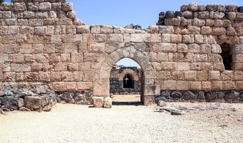 Ruinen der des 12. Jahrhundertsfestung des Hospitallers - des Belvoir - des Jordan Stars - in Jordan Star National Park nahe Aful lizenzfreie stockbilder