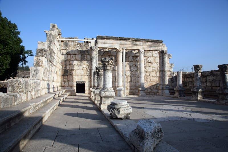 Ruinen der großen Synagoge von Capernaum lizenzfreies stockfoto