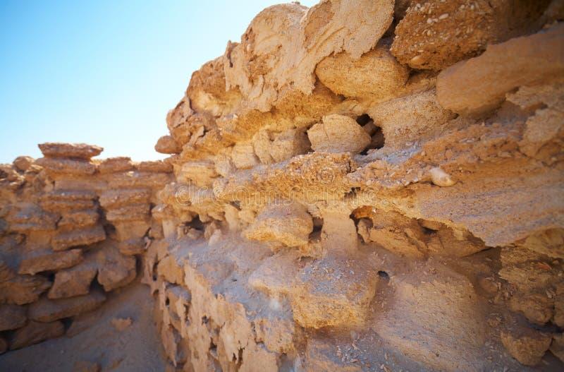 Ruinen in der Wüste stockfotos