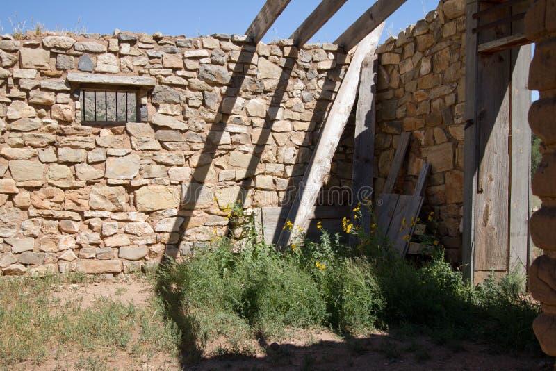 Ruinen des 19. Jahrhunderts in Lincoln, New-Mexiko lizenzfreies stockbild