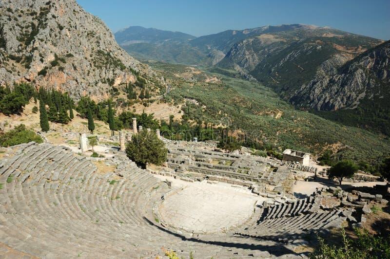 Ruinen des alten Amphitheaters in Delphi, Griechenland stockbild