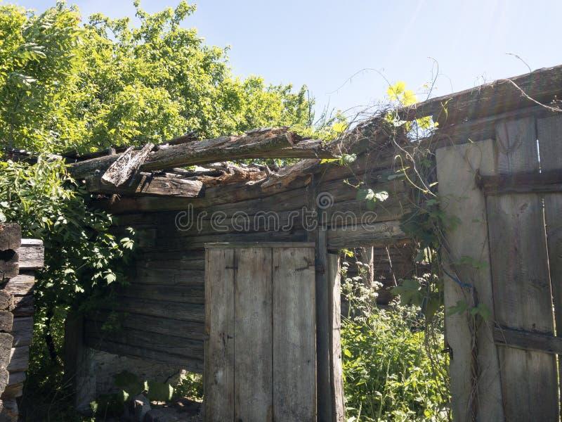Ruinen des alten Landsitzes stockbilder