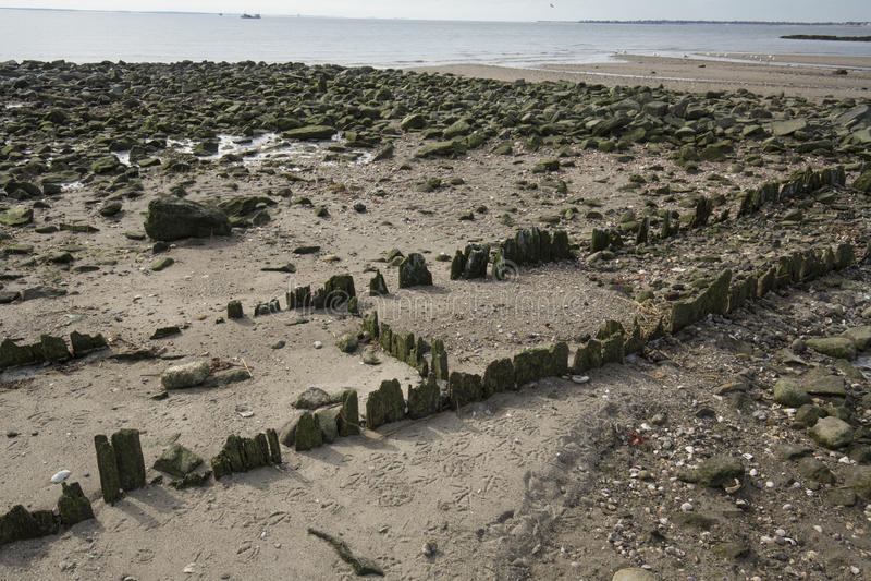 Ruinen des alten Piers am Silber versandet Strand in Milford, Connecticut lizenzfreie stockbilder