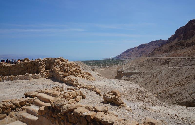 Ruinen des antiken Dorfs Qumran gruben durch Archäologen aus stockbilder
