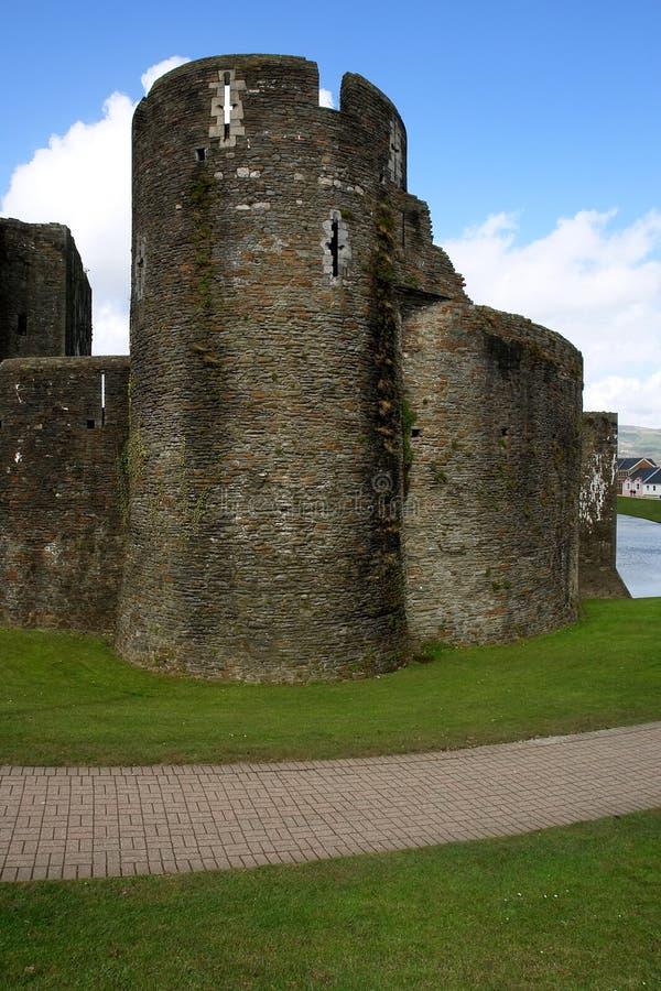 Ruinen des Caerphilly Schlosses, Wales. stockbild
