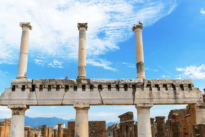 Ruinen des Forums in Pompeji, Italien stockbilder