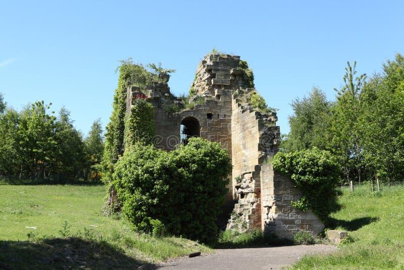 Ruinen des Kohlenwasserhaltungs-Maschinenhauses lizenzfreie stockbilder